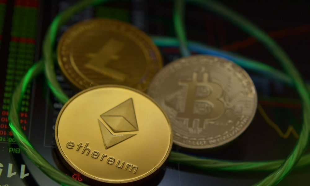 Ethereum under pressure from DeFI; Can Bitcoin capitalize?